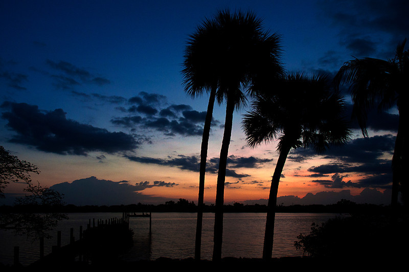 If you get to stay in the guest bedroom at Mark and Andrea's house on Merritt Island, this is what you may see just before dawn.