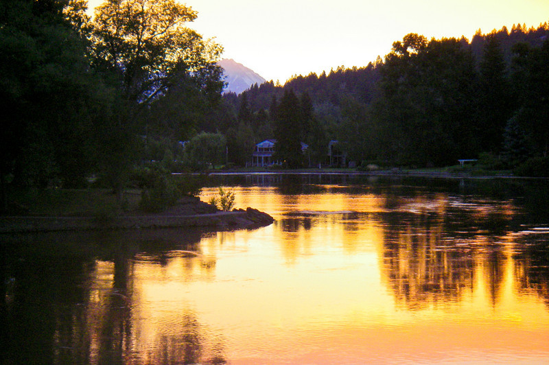 Sunset on the Deschutes River in Bend, OR
