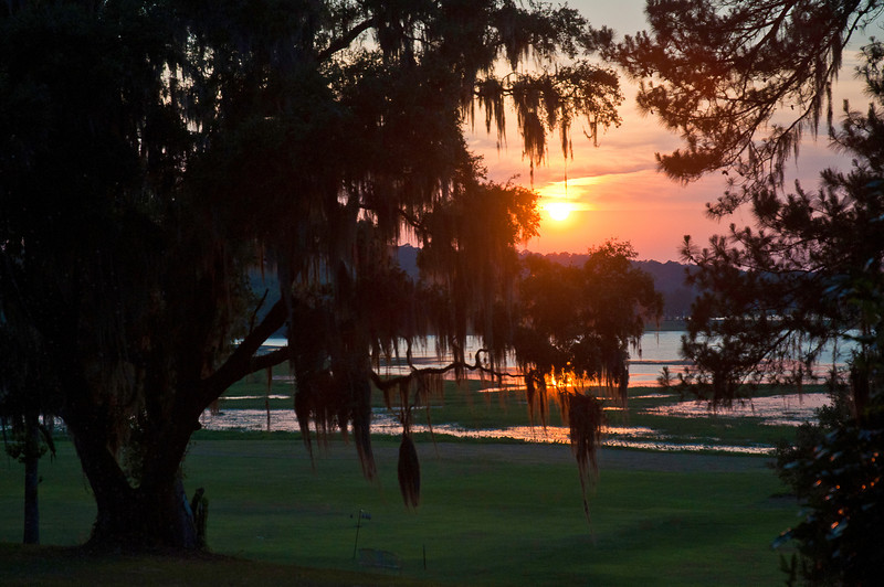 Another sundown over Lake Jackson behind Al and Ashby's house in Tallahassee, May 22, 2011