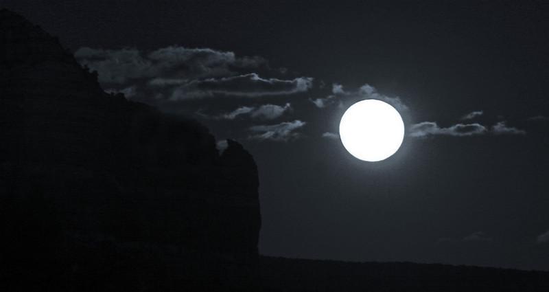 February Full Moon on Lee Mt