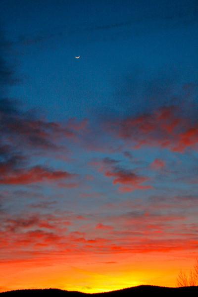 Quatermoon sunset