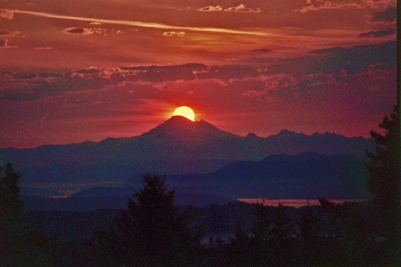 Mt Baker at Sunrise on a very particular day.