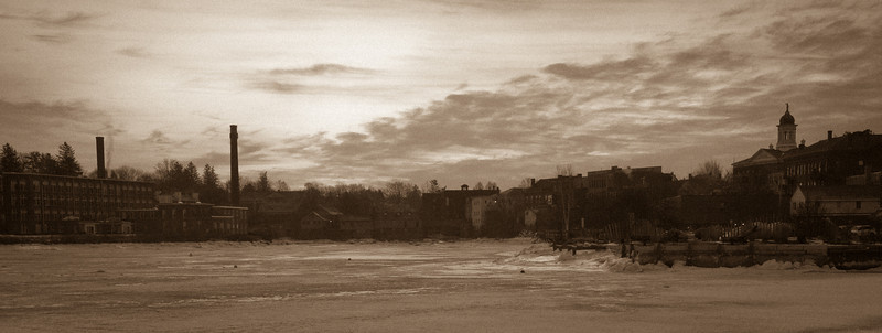 Sunrise in Exeter, NH where the Souhegan and Exeter rivers meet. Jan 2010