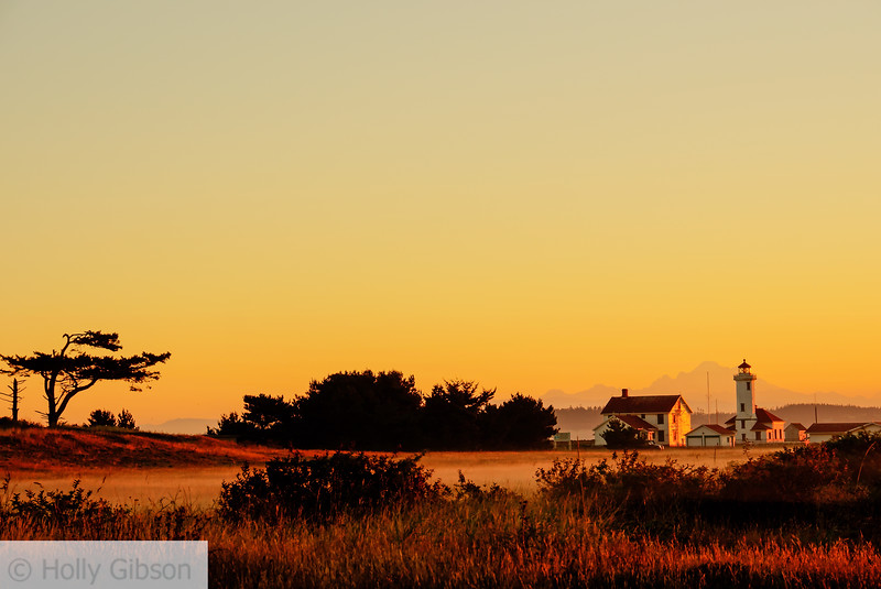 Lighthouse at sunrise - Ft. Worden State Park - 202
