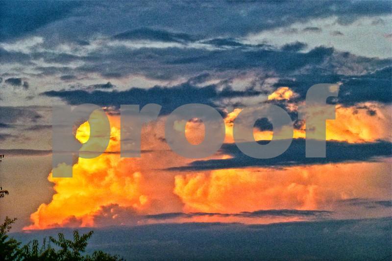 P1250467 Maxfield Parrish Clouds