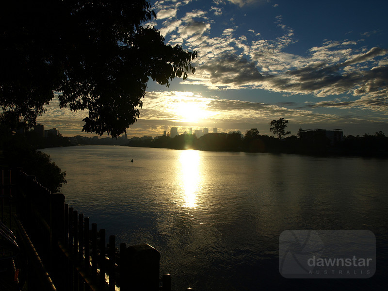 Sunrise over the Brisbane River