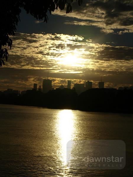 Sunrise over the Brisbane River