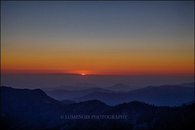 Due West. Sunset seen from Sequoia Park, Moro Rock.