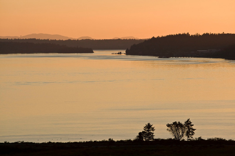 Islands galore <br /> The left is McNeil, the right Vashon, I believe. The pic has minimal processing.