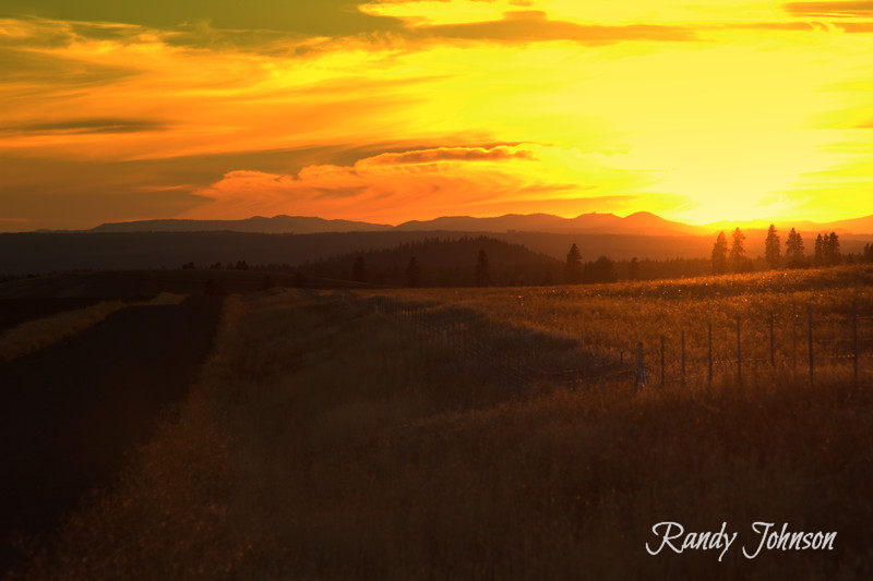 Sunsets in Goldendale Washington.