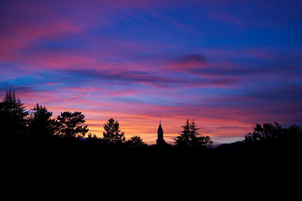 Autumn sunset in Novato ref: 91772be0b83c48d8a84f328e3bf2a705
