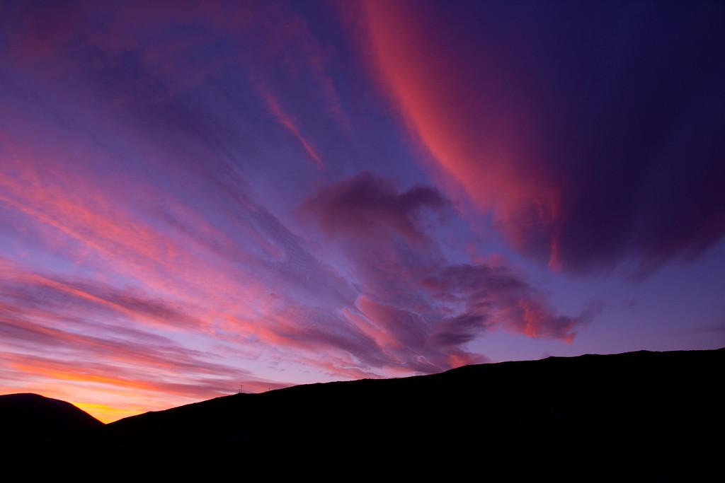 IMAGE: http://buttonmasher.smugmug.com/Landscapes/sunsets/i-dkT9X2b/0/XL/IMG_8065%20copy-XL.jpg