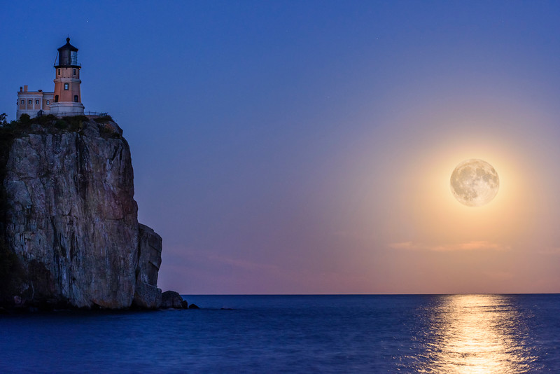 _ASP1476 Split rock with Moon NR Final
