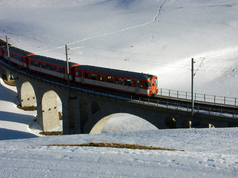 Urserental, Matterhorn-Gotthard-Bahn - direction Realp - Oberwald - Brig between Hospental and Realp<br /> Konica Minolta Dimage A2