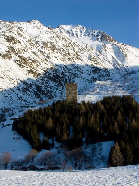 Urserental, Watchtower near Hospental - Chastelhorn (2973m) Konica Minolta Dimage A2