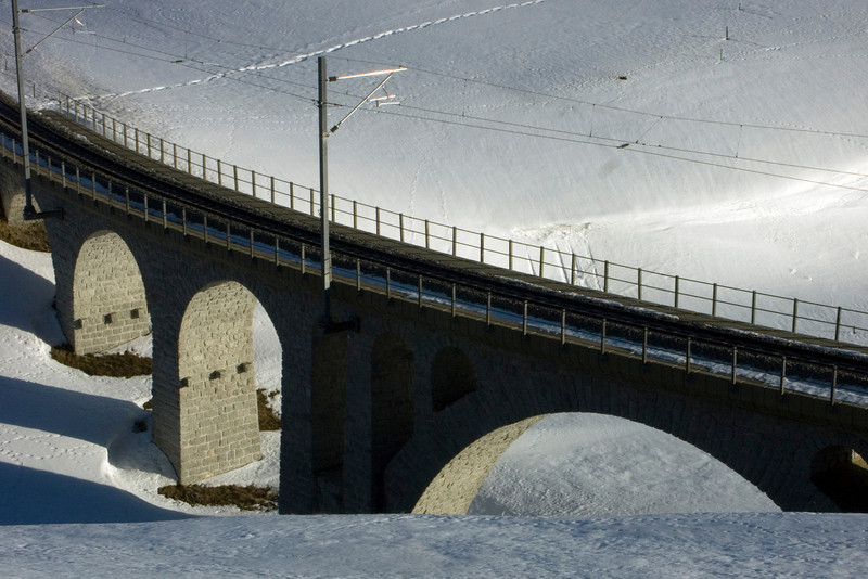Urserental, Matterhorn-Gotthard-Bahn railway viaduct crossing the Furkareuss<br /> Konica Minolta Dimage A2