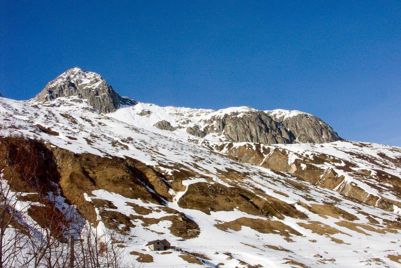 Urserental between Realp and Hospental - Spitzberg (2934m) and Rossmettlengrat (northern border)<br /> Konica Minolta Dimage A2