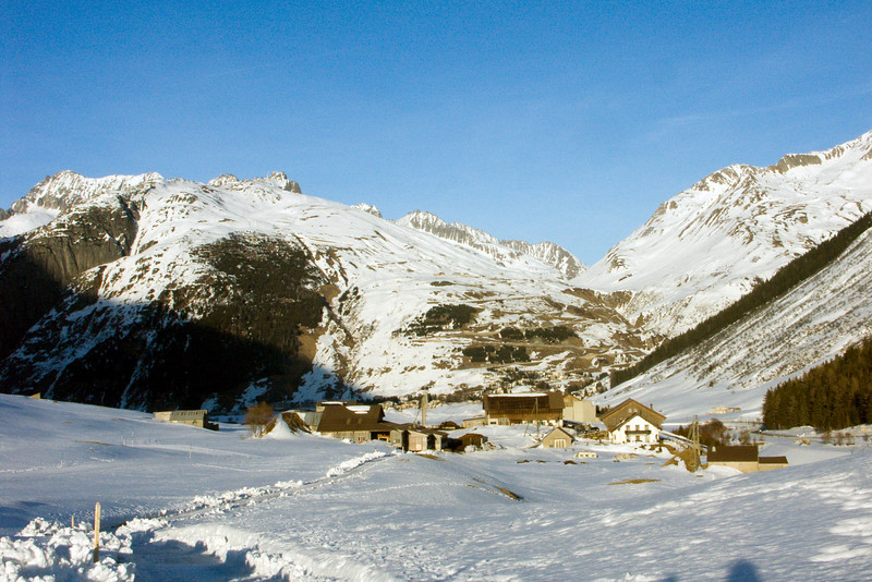 Urserental, village Hospental - view towards Andermatt / Oberalppass<br /> Konica Minolta Dimage A2