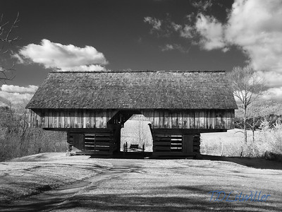 Cantilever Barn, Cades Cove Smokey mountains  National Park, TN   taken with an R72 filter