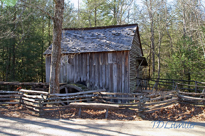 Grist Mill in Cades Cove,  Cades Cove Smokey mountains  National Park, TN