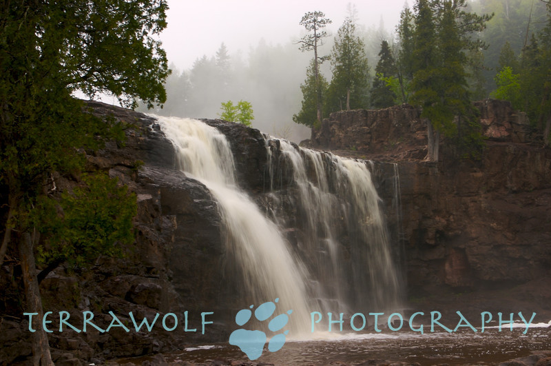 A walk in the fog at Gooseberry Falls