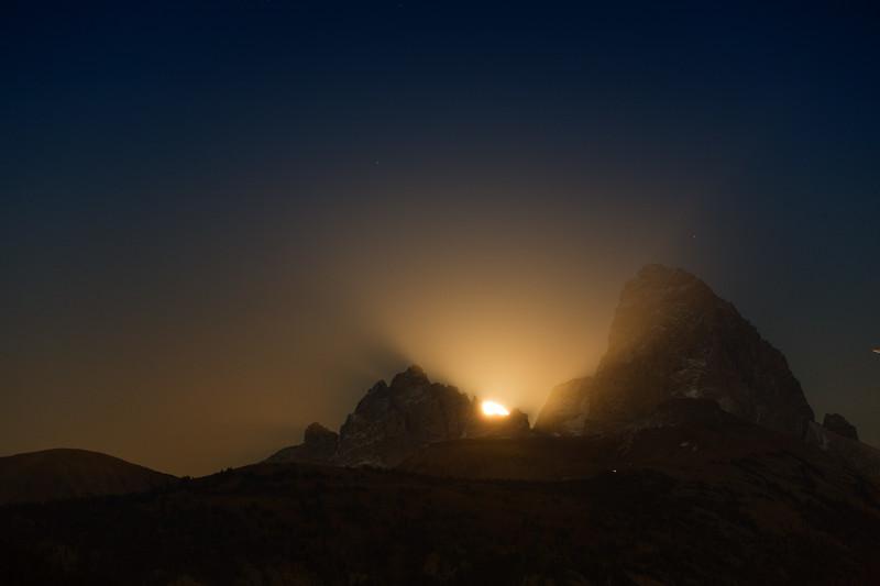 Full Moon Rising in Tetons