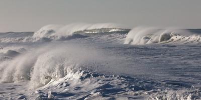Outside Wave 0880p