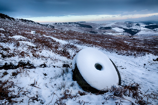Stanage Edge Millstone in Winter