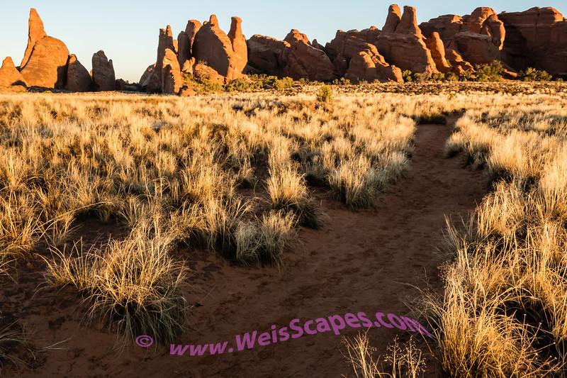 Broken Arch Trail at Sunrise