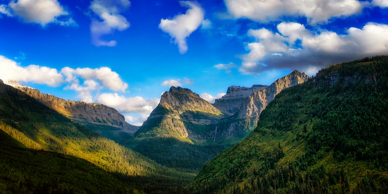 Going to the Sun Road, the way to Logan Pass