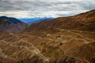 Surrounding landscape of 然烏湖 Tibet 2011