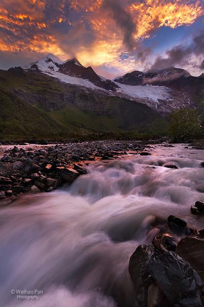 """Lighting Mountain Flow"""