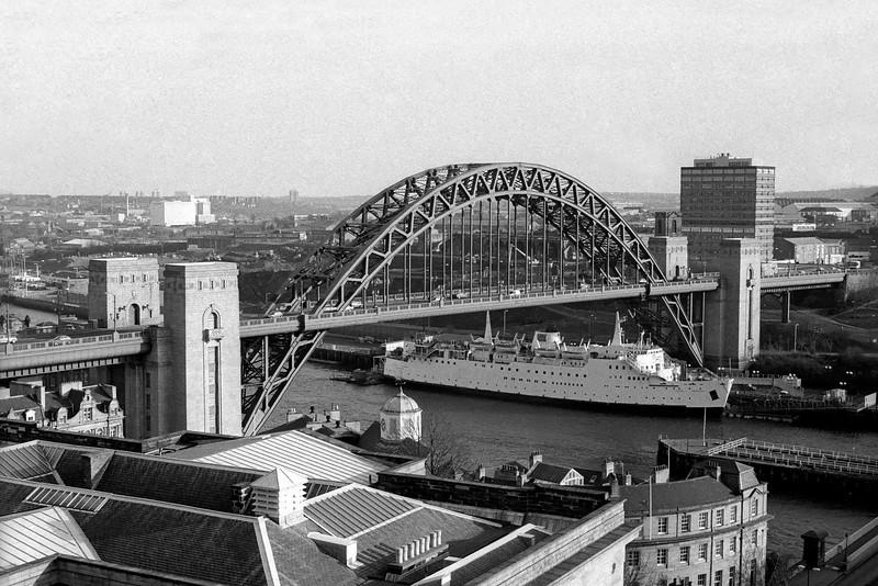 Tyne Bridge & Tuxedo Princess, Newcastle Upon Tyne