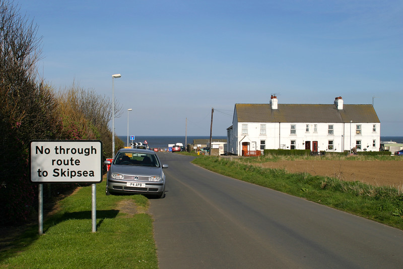 Ulrome - Sands Lane and Coastguard Cottages, 8-4-2007 (IMG_4120) 10D Max