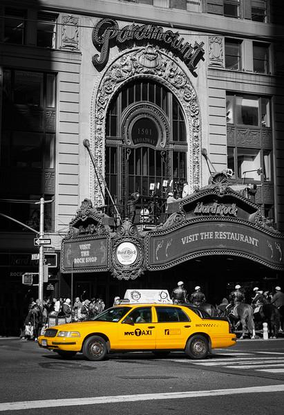Taxi outside Hard Rock Cafe