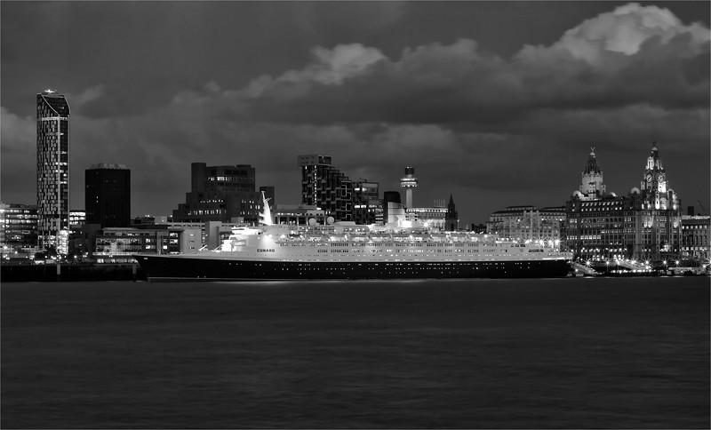 Queen Elizabeth 2 at Liverpool