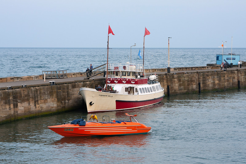 """""""Yorkshire Belle"""" and """"Sonic"""" at Bridlington Harbour"""
