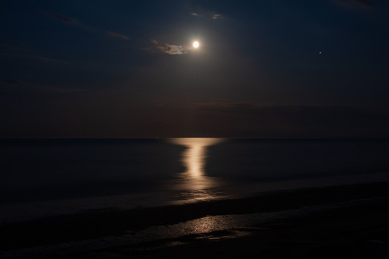 Moon Over The North Sea, Ulrome