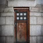 Westminster Bridge Door, 24-3-2010 (IMG_1881) 4k
