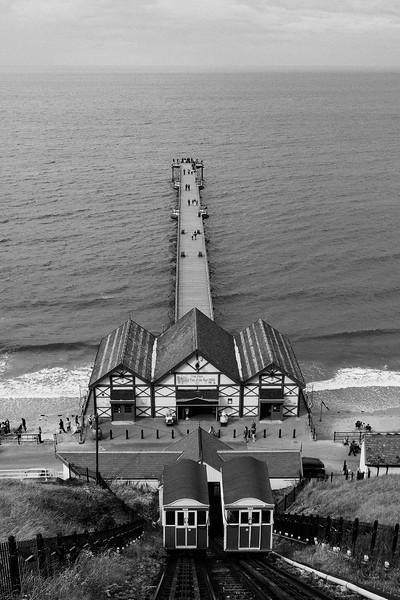 Saltburn Pier, 11-8-2010 (IMG_3607) Nik SEP2 Ilford FP4 Plus 4k