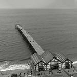 Saltburn Pier, 11-8-2010 (IMG_3608) B&W 4k