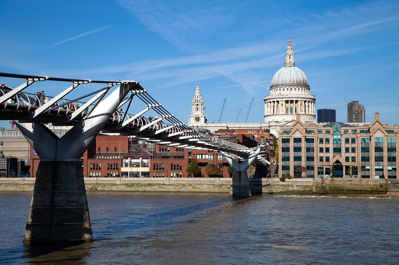 St Paul's Cathedral & Millennium Bridge, 22-10-2011 (IMG_5105) 4k