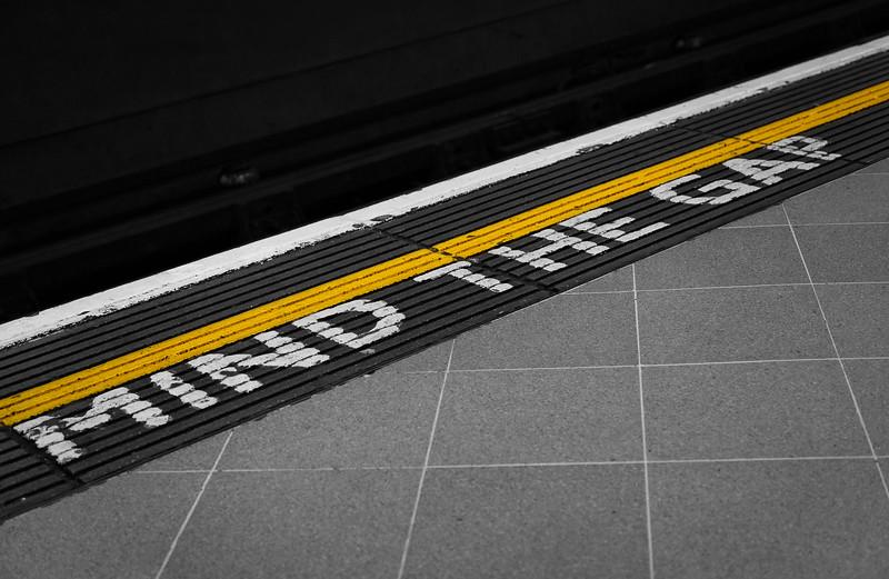 London - Mind The Gap, 23-10-2011 (IMG_5284) 4k
