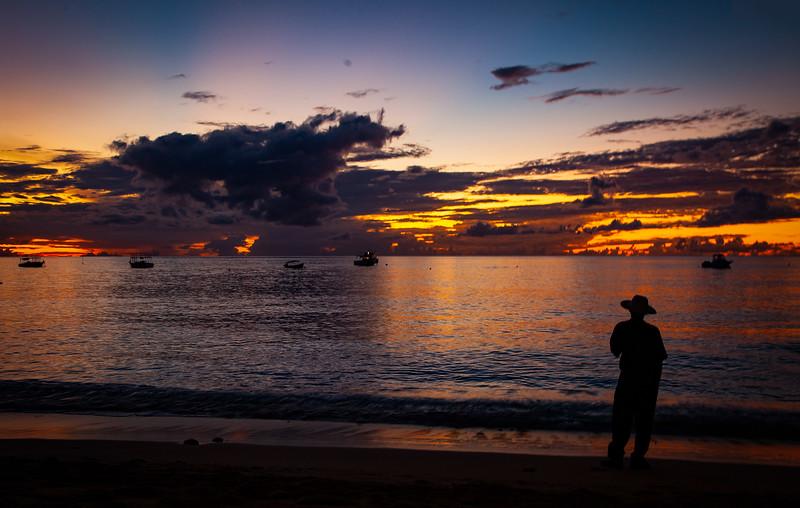 Barbados - Holetown Beach Silhouette, 21-11-2011 (IMG_5710) 4k
