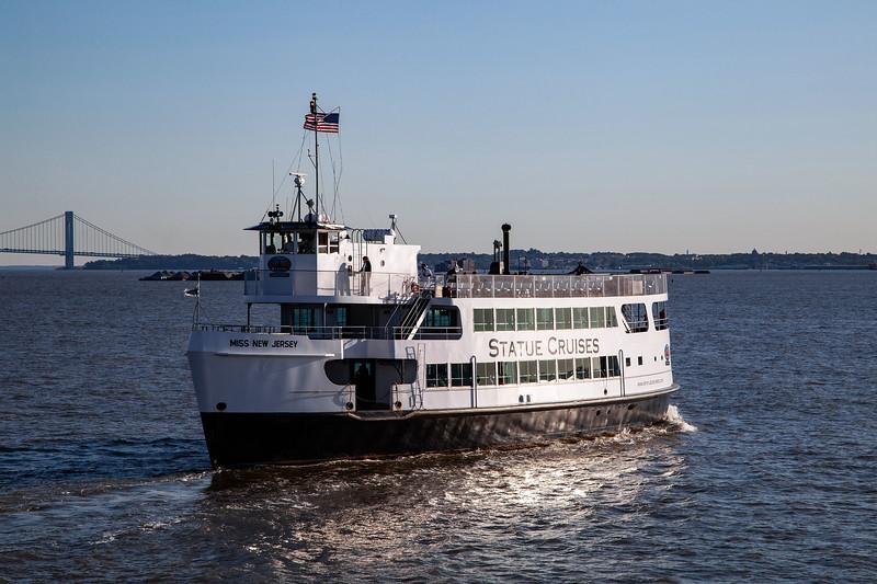 NYC - Miss New Jersey on Hudson River (Liberty Island), 6-10-2011 (IMG_4451) 4k