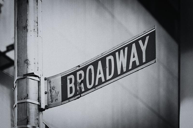 NYC - Broadway, 5-10-2011 (IMG_4246) Nik SEP2 - Cool Tones 2 4k