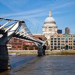 St Paul's Cathedral & Millennium Bridge, 22-10-2011 (IMG_5104) 4k