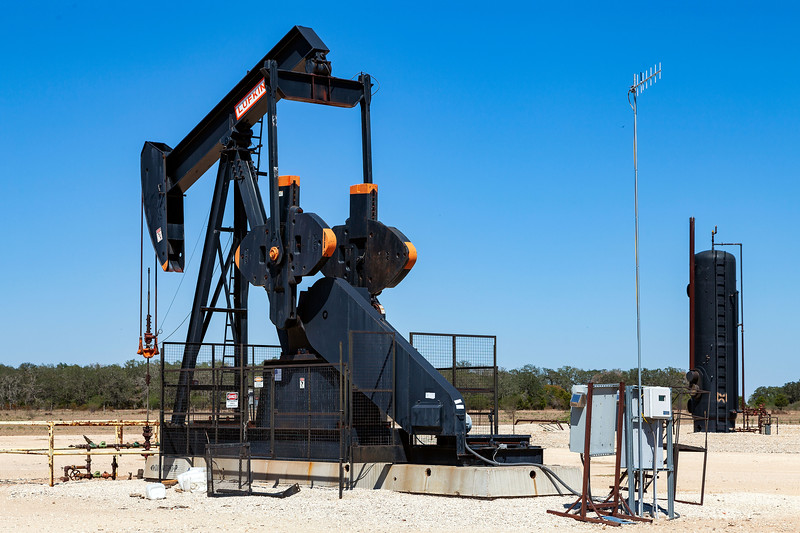 Oil Pump, Windmill Ranch, Carmine, Texas, 3-10-2011 (IMG_3831) 4k