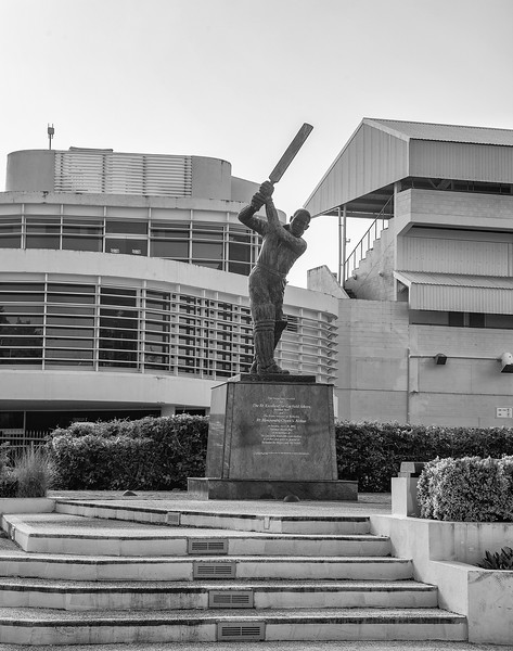 Barbados - Kensington Oval, Bridgetown - Sir Garfield Sobers statue, 25-11-2011 (IMG_6026) 4k