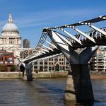 St Paul's Cathedral & Millennium Bridge, 22-10-2011 (IMG_5117) 4k